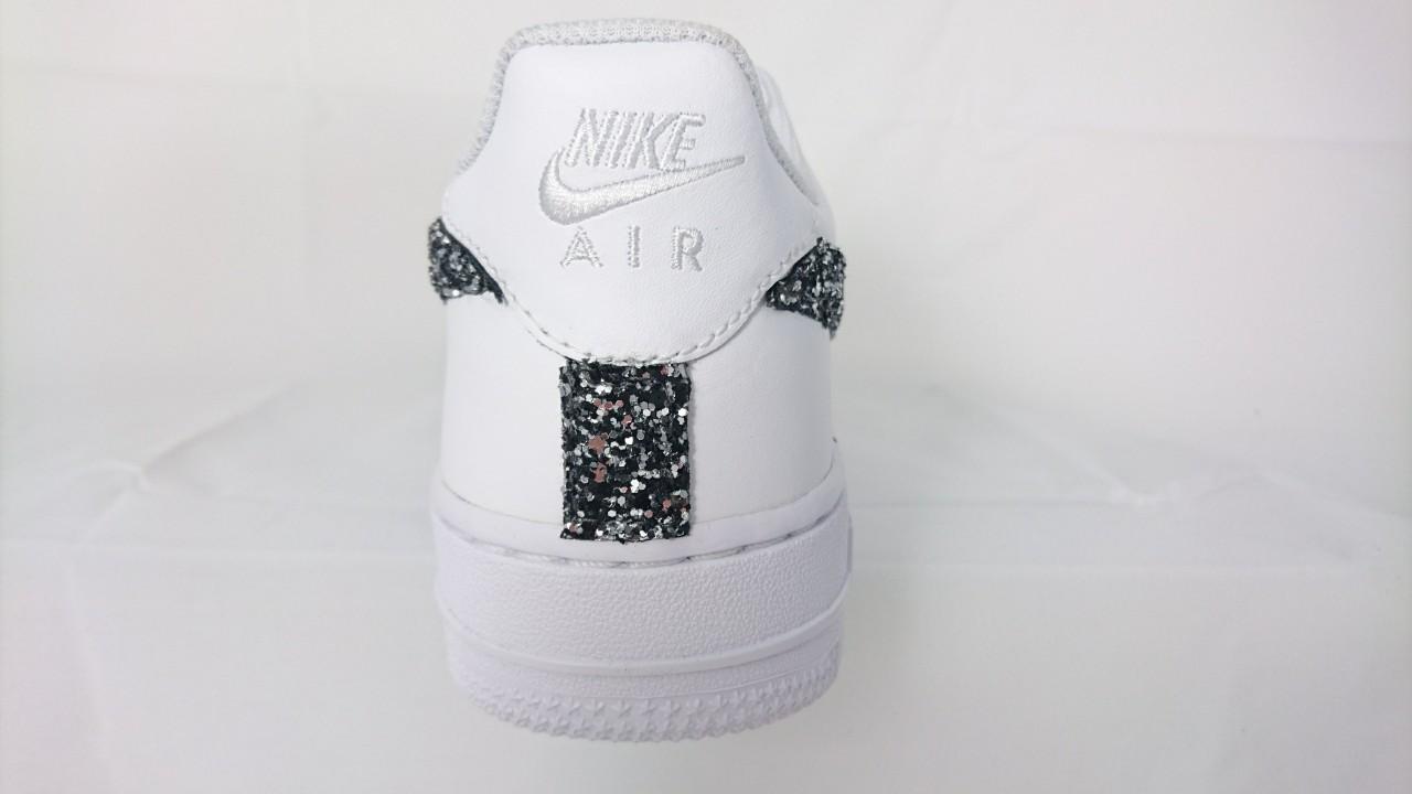 scarpe nike air force basse nere