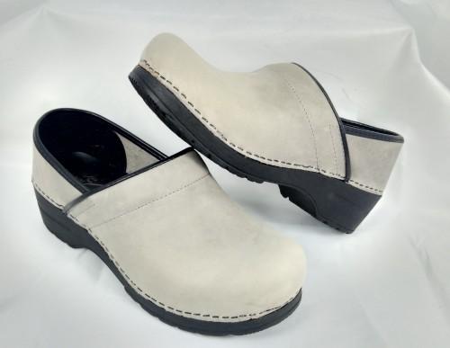 glove-7488-pelle-grigio-perla-zoccolo-made-in-italy-dansko-sanita-milano-carrara-cremona-bergamo-firenze-lucca