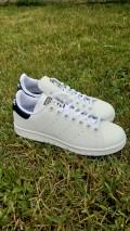 Adidas-stan-smith-scritta-dietro-bianco-nero