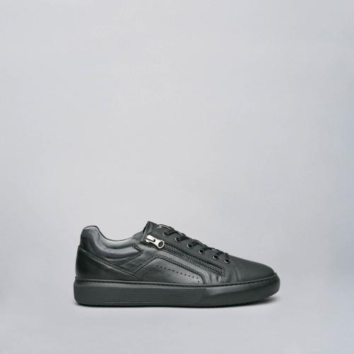 nero-giardini-i001802u-100-sneaker-pelle-nero-nencini-sport-pesca-seppie-saldi-occasioni-black-friday-scarpa-mondo-cisalfa-sportissimo-aw-lab-blòack-friday-sconti-miglior-prezzo