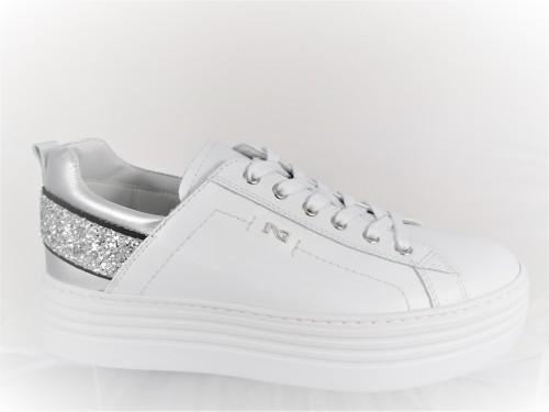 nero-giardini-sneaker-platform-donna-e115291d--pescara-padova-pavia-vicenza-verona-treviso-venezia-friuli-milano-lecco-brescia-bergamo-monza-modena-bologna-tarviso-dolomiti-boobking-grosseto-massa-napoli-caserta-roma-cagliari-ravenna-genova-nencini-sport-pesca-seppie-saldi-occasioni-black-friday-scarpa-mondo-cisalfa-sportissimo-aw-lab-blòack-friday-sconti-miglior-prezzo